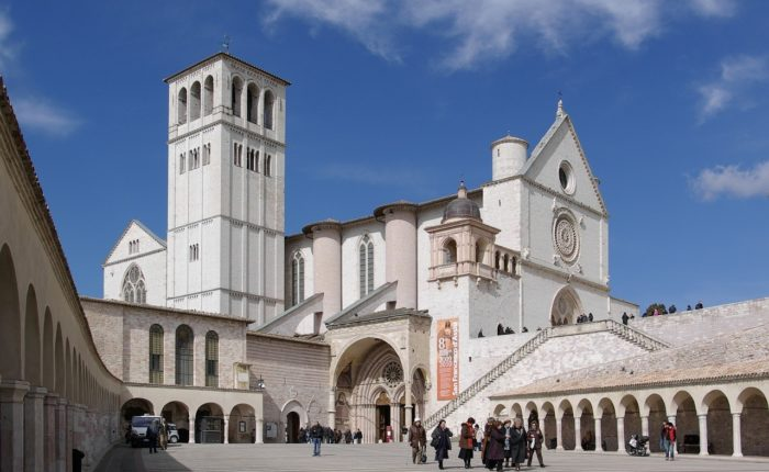 basilica-assisi-umbria-in-moto